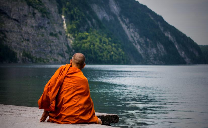 moine tenue traditionnelle